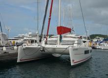 Catana 42 version propriétaire : En marina